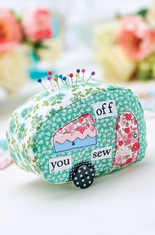Caravan_Patchwork_Pincushion_and_Card_Set
