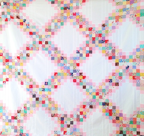 Scrappy_Irish_Chain_quilt_pattern_tutorial_free