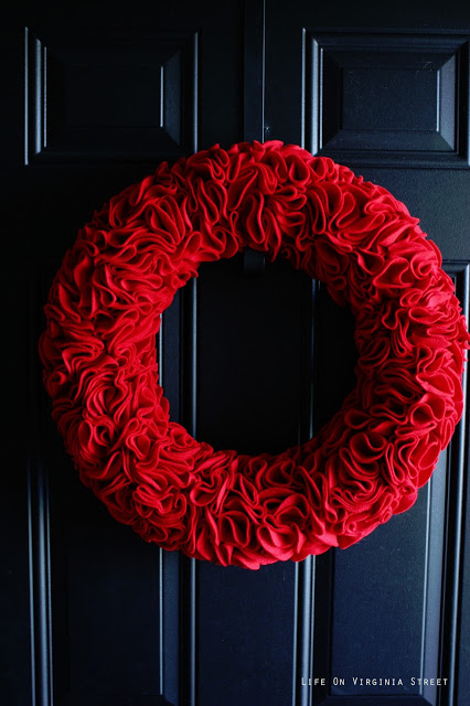 red ruffle wreath