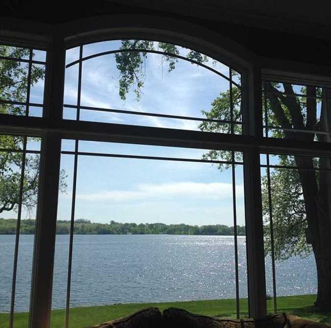 1.Lake thru window