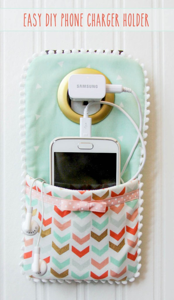 Easy-DIY-Phone-Charger-FlamingoToesLilLuna