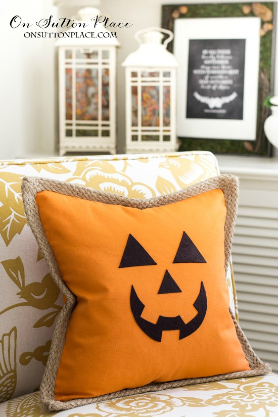 diy-jack-o-lantern-pumpkin-pillow-cover