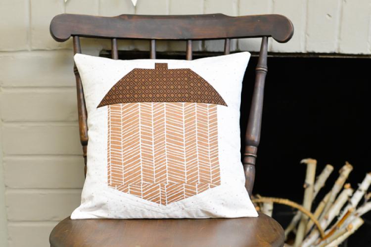 acorn-pillow-wide-750-x-500