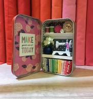 Darling little sewing tin!