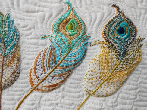 Sample10-TenSwayingFeathers-detail2_1000