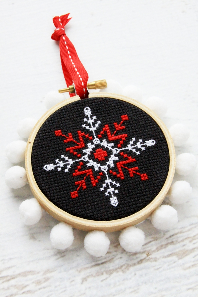 Fabulous and Fun DIY Christmas Ornaments by popular Tennessee craft blog, Flamingo Toes: image of cross stitch snowflake ornament.